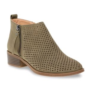 Time and Tru memory foam ankle boots.